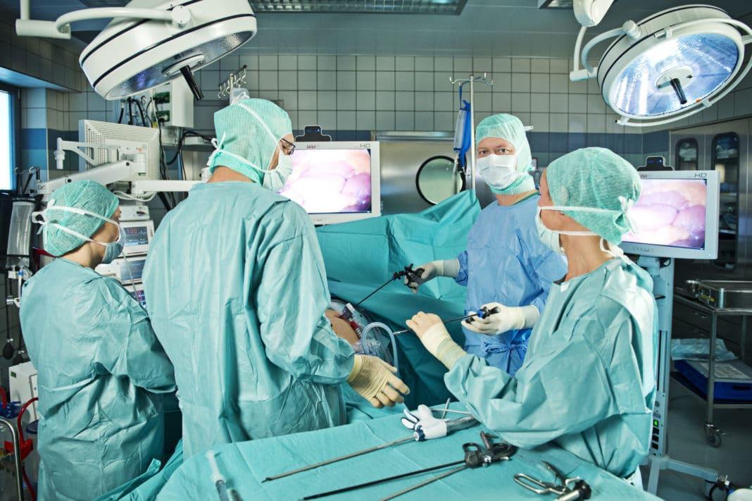 Когда требуется хирургическое вмешательство при лечении рака?